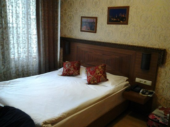 The Empress Theodora Hotel : Our room / 2nd floor