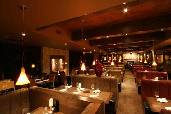 Ric's Grill: Dining Room