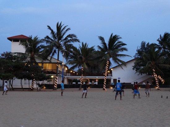 Catamaran Beach Hotel: hotel vu de la plage