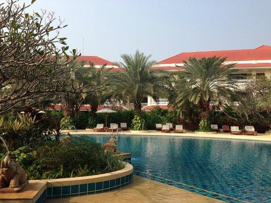 Away Kanchanaburi Dheva Mantra Resort & Spa: View of pool and resort