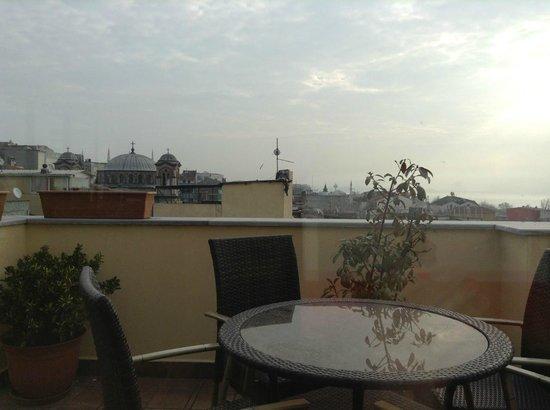 Amber Hotel: Roof terrace