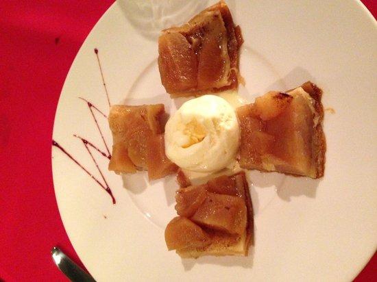 Au Bistrot Français : the best apple pie i ever have!