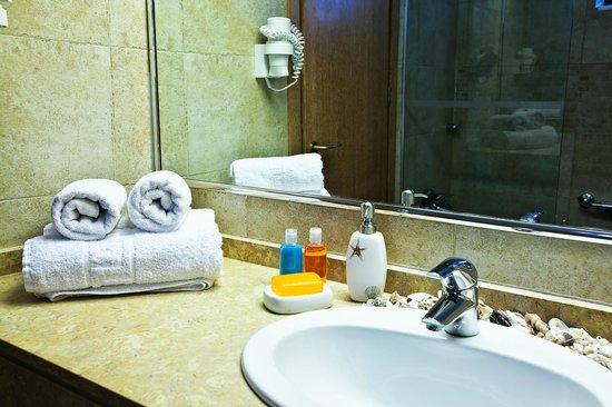 Pefkos Blue : Superior Room/Bath