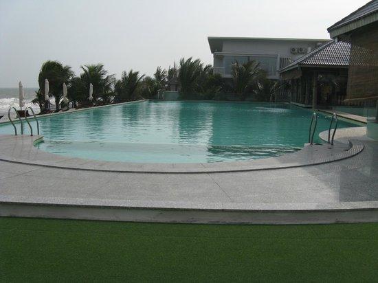 Villa Del Sol Beach Villas & Spa : Pool area