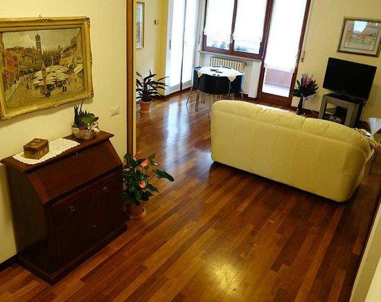 B&B Verona . Casa Batiuska - Disimpegno e soggiorno - Foto di Bed ...