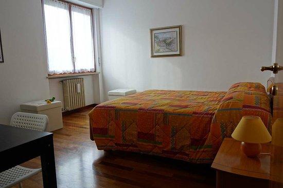 Bed & Breakfast Casa Batiuska: B&B Verona . Casa Batiuska - Camera Tripla dalla porta