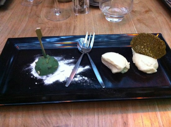 Bickers aan de Werf: Dessert - White chocolate mousse and more