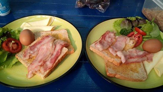 Nice Inn Town Residence: Breakfast