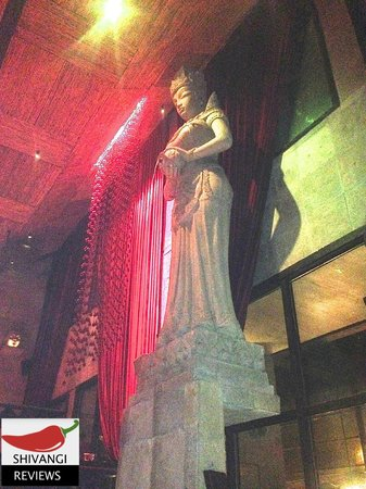 Shiro: Indonesian Statues