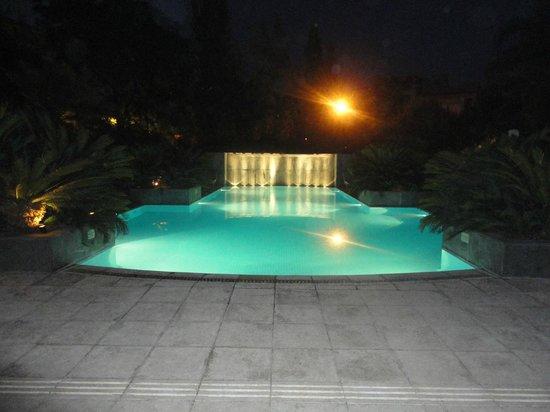Park Hyatt Mendoza: Piscina com iluminação noturna