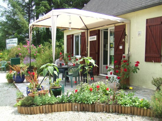 Camping La Pointe : Reception area/accueil
