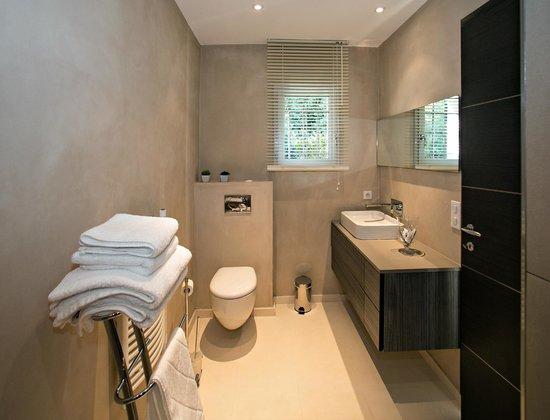 Villa Casabianca : Salle de bain de chambre