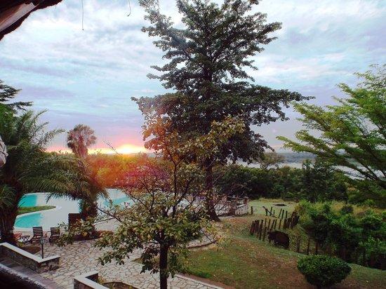 Paraa Safari Lodge: Views - Spectacular