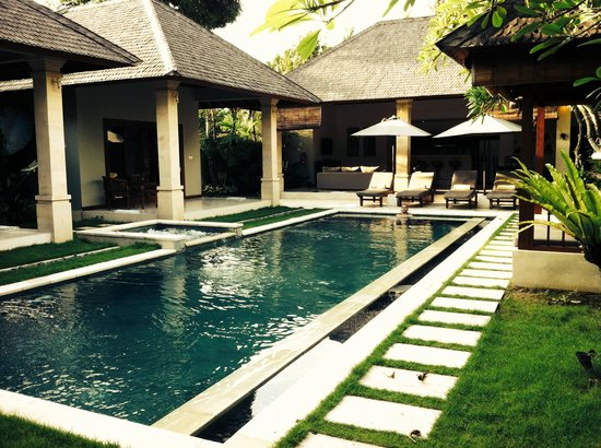 Villa Zanissa: Morning laps in the private pool
