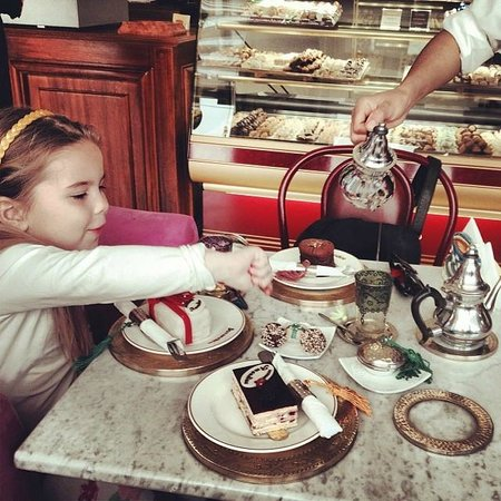 Patisserie Amandine Marrakech : Great place to eat cake and drink The
