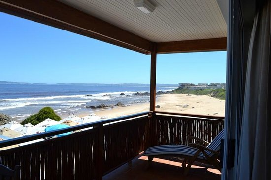 Singing Kettle Beach Lodge & Restaurant: The view