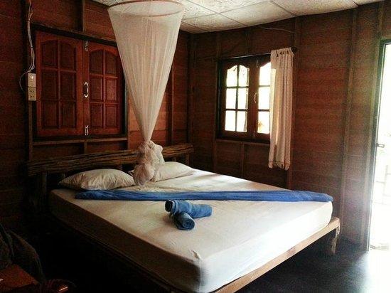 West Coast Beach Resort : our room