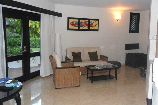 Bavaro Princess All Suites Resort, Spa & Casino: le petit salon