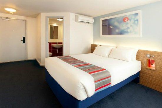 Travelodge Cambridge Orchard Park: Double room