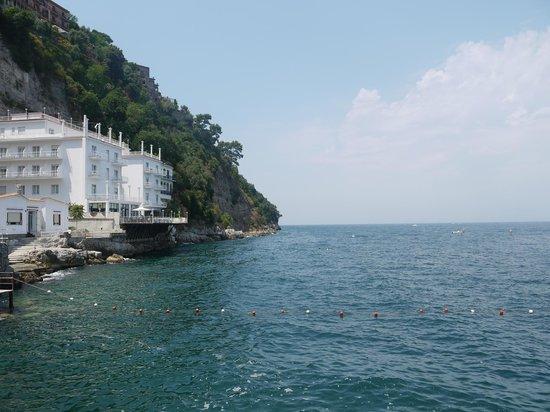 Ristorante Bagni Delfino: View from the pier