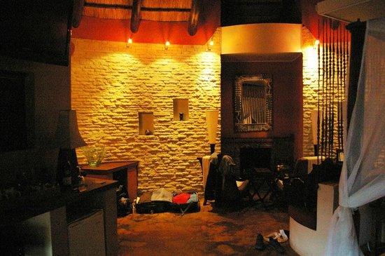 Maliba Mountain Lodge: Cheminée