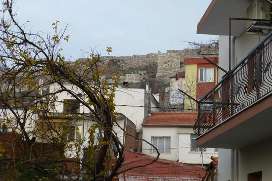 Saint John Hotel: View of Selcuk Castle from first floor room