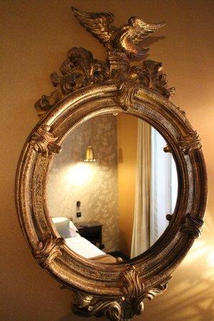 Hotel les Dames du Panthéon : Our room