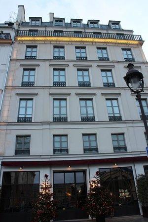 Hotel les Dames du Panthéon : Outside the hotel