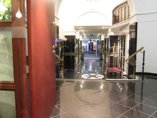 Grand Windsor Hotel Auckland: 玄関