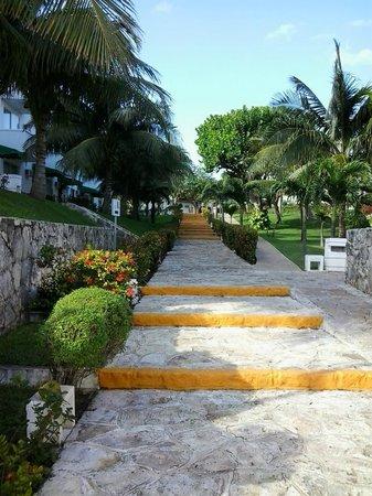 Hotel Dos Playas Beach House: территория отеля