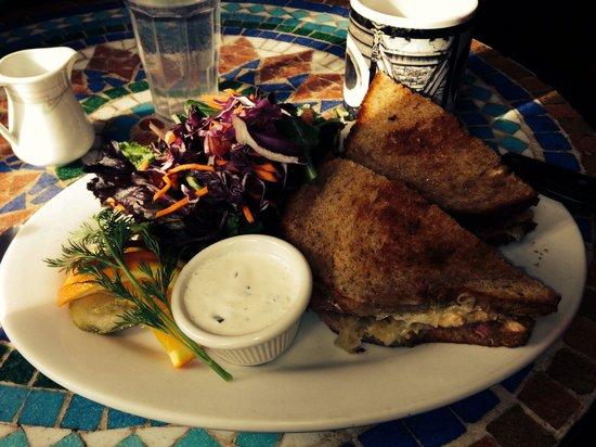 Morning Glory Restaurant: The Ruben was wonderful.