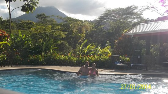 Volcano Lodge & Springs : piscina termal