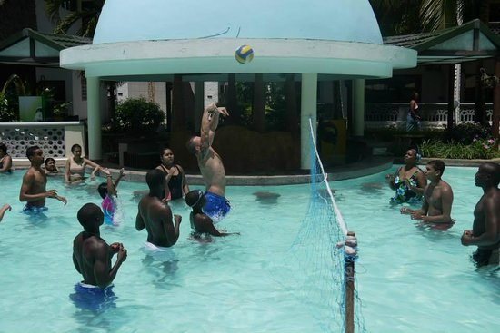 Royal Reserve Safari and Beach Club : Volleyball