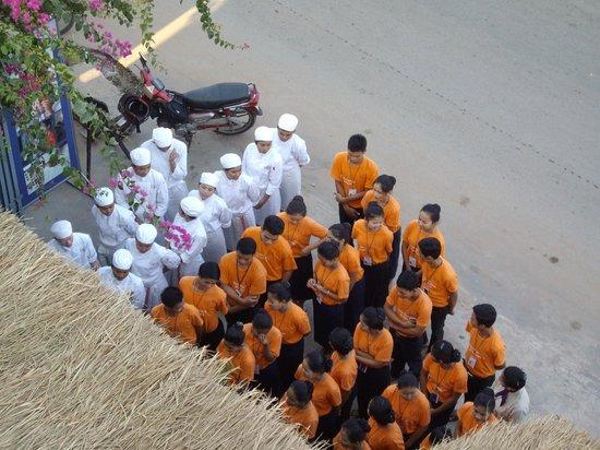 Sala Bai Hotel : Morning school assembly, flag raising and singing of National Anthem
