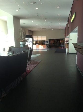 Mövenpick Hotel Amsterdam City Centre: lobby