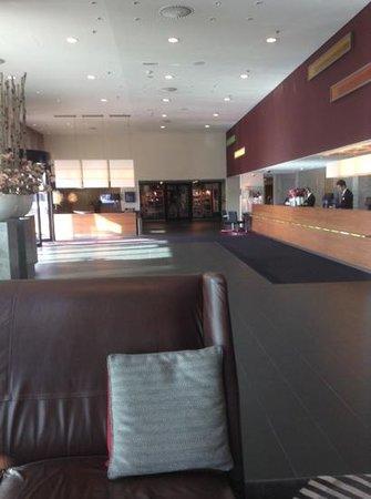Mövenpick Hotel Amsterdam City Centre : lobby