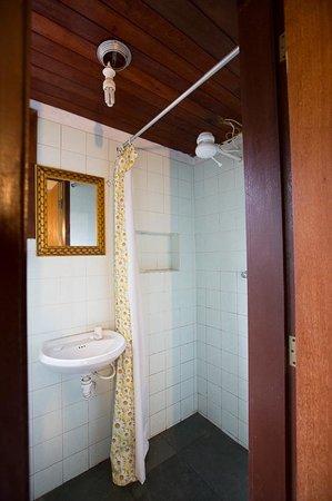 Pousada Zen: Visão parcial do banheiro