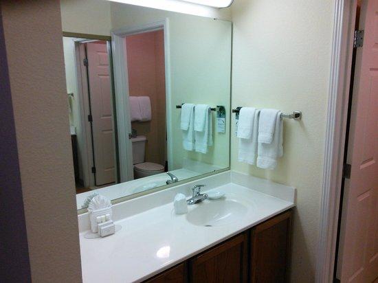 Residence Inn Jacksonville Butler Boulevard: Bathroom Vanity