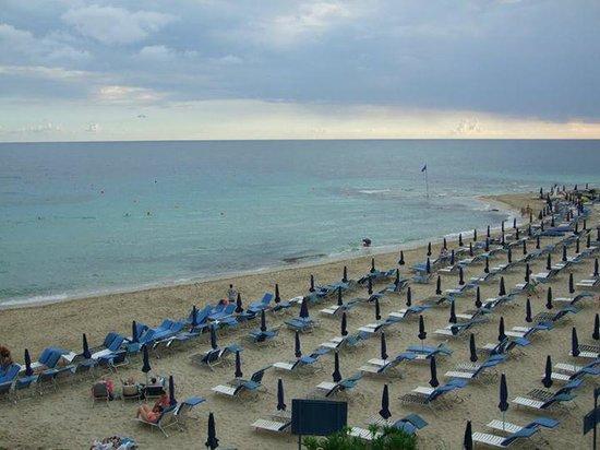 Bella Napa Bay Hotel : Ближайший пляж