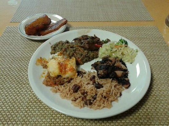Mango's Caribbean Restaurant: Buffet Serving - Round 1