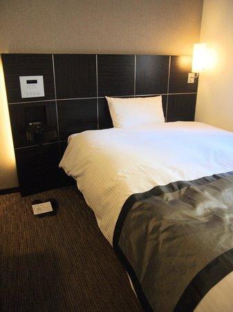 Hotel Active Hiroshima: 寝心地のいいベッド