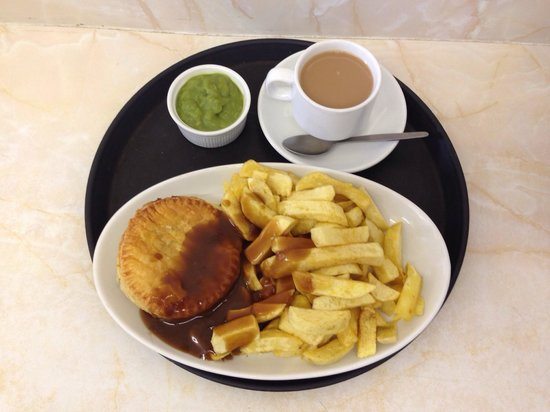 Audrey's Fish & Chips: Pie & chips