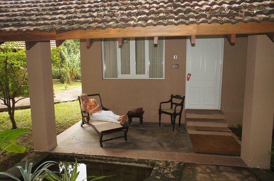 Sigiriya Village Hotel : На террасе у номера