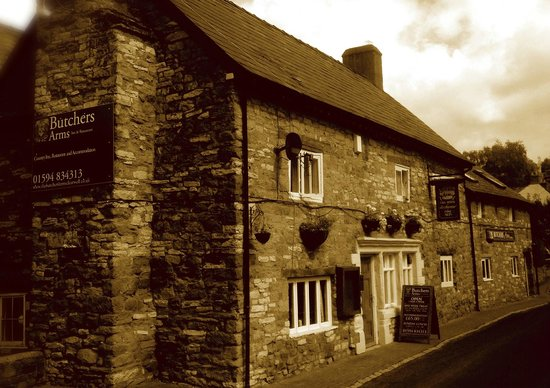 The Butchers Arms: BUTCHERS ARMS   INN AND RESTAURANT