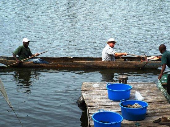 Bunyonyi Safaris Resort : Hubby going fishing