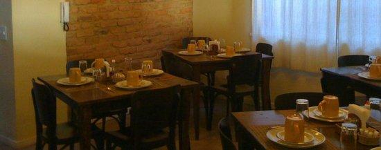 Pousada HospedaBia: Café da Manhã