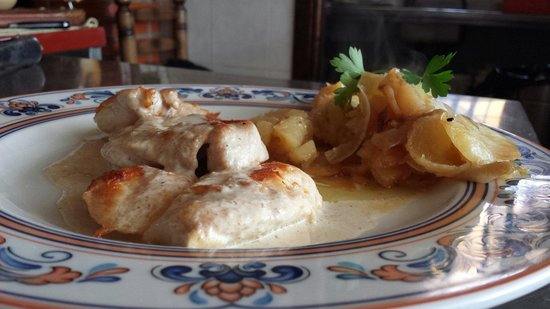 Braseria La Tinaja: Pechuga de pollo con crema de setas