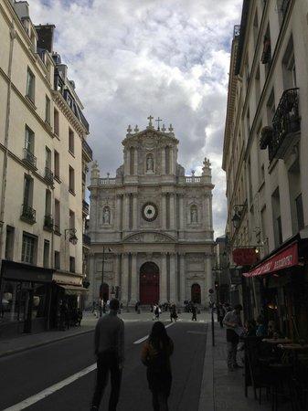 Hostellerie du Marais: Saint-Paul Saint-Louis church