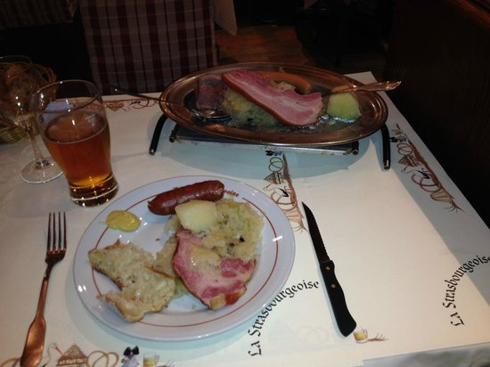 La Strasbourgeoise : My big pile of meat and choucroute.