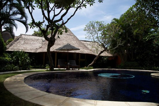 Impiana Private Villas Seminyak: Beautiful villa with pool